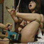 ヘンリー塚本作品集によくでてくる角刈りに電気アンマ責めされる熟女